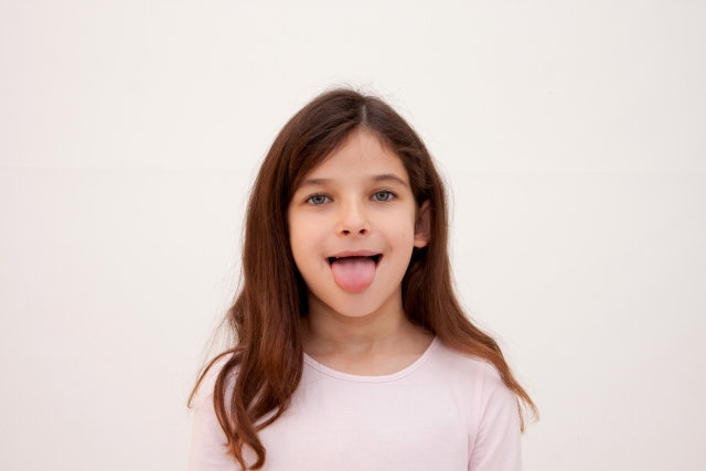 くいしばりで、舌に、歯のあとがついて、ギザギザになったりしていませんか?
